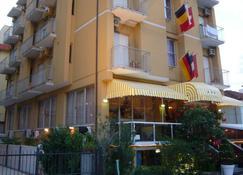 Hotel Giumer - Rimini - Edificio