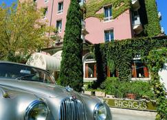 Hôtel Helvie - Vals-les-Bains - Building