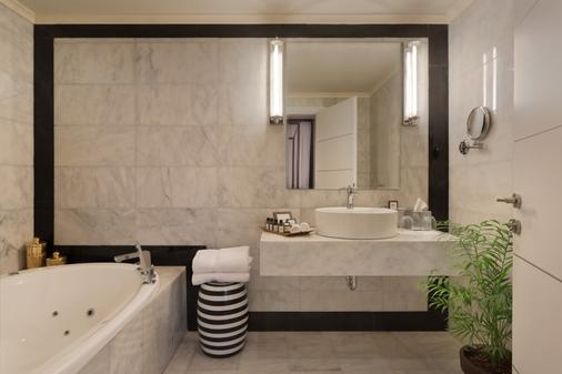 Brown Beach House by Brown Hotels - Τελ Αβίβ - Μπάνιο