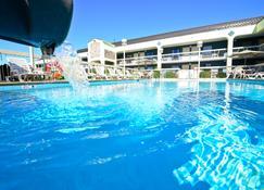 Best Western Cades Cove Inn - Townsend - Pool