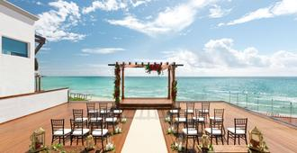 Hilton Playa Del Carmen Adult Only Resort - פלאיה דל כרמן - בניין