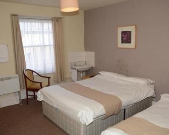 The White Hart Hotel - Holsworthy - Bedroom