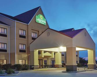 La Quinta Inn & Suites by Wyndham South Bend - South Bend - Building