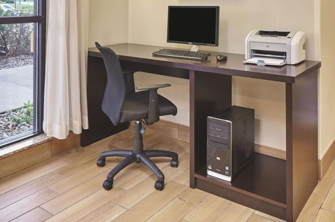 La Quinta Inn & Suites by Wyndham South Bend - South Bend - Aίθουσα συνεδριάσεων