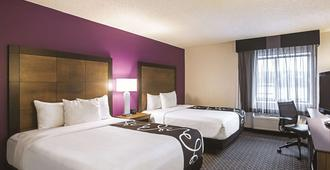 La Quinta Inn & Suites by Wyndham Atlanta Midtown - Buckhead - Atlanta - Bedroom