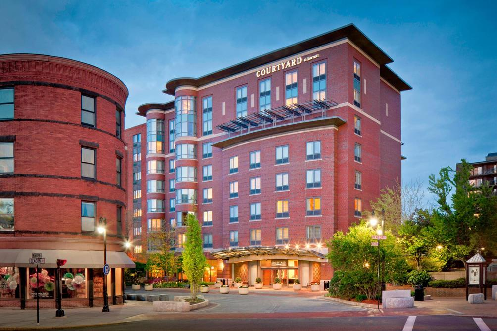 Courtyard By Marriott Boston Brookline 151 4 8 5 Brookline Hotel Deals Reviews Kayak