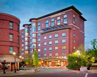Courtyard by Marriott Boston Brookline - Brookline - Building