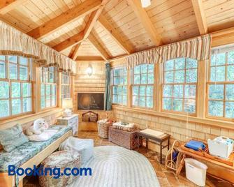 The Cavu Mansion On Bellevue - Vineyard Haven - Living room