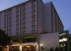 Radisson Hotel Bismarck - Bismarck - Building