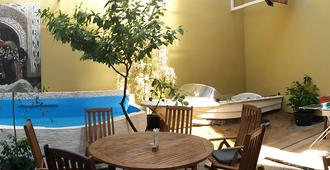 Station - Hostel for Backpackers - Κολωνία - Πισίνα