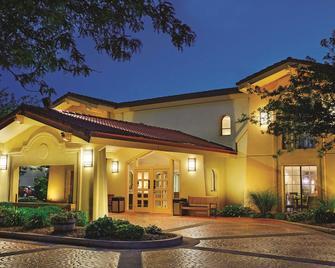 La Quinta Inn by Wyndham Champaign - Champaign - Edificio