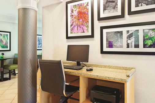 La Quinta Inn Champaign - Champaign - Business center