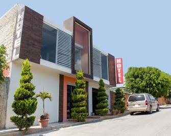 OYO Hotel Las Torres - Tehuacán - Edificio