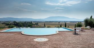 Tramonto su Assisi - Perugia - Pool