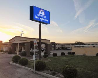 Americas Best Value Inn Hanford - Hanford - Gebouw
