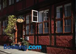 Bed & Breakfast Sahara - Luneburg - Building