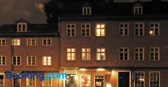 Frauenhotel Hanseatin - Hampuri - Rakennus