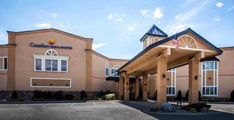 Comfort Inn and Suites Plattsburgh - Morrisonville - Платтсберг