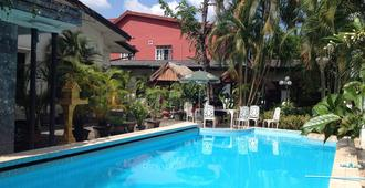 Villa Sisavad Guesthouse - Vientiane - Pool