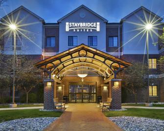 Staybridge Suites Lansing-Okemos - Okemos - Будівля