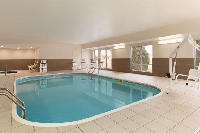 Country Inn & Suites by Radisson, Rochester, MN - Rochester - Pool