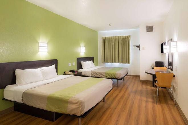 Motel 6 Hillsboro, TX - Hillsboro - Bedroom