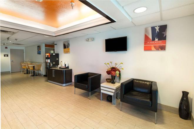 Motel 6 Hillsboro, TX - Hillsboro - Lobby