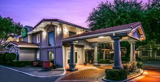 La Quinta Inn By Wyndham Dallas Uptown - Dallas - Bygning