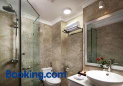Golden Moon Suite Hotel - Hanoi - Bathroom