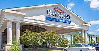 Baymont by Wyndham Louisville Airport South - Louisville