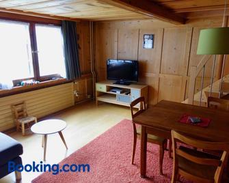 Ferienwohnung Sandgasse - Glarus Süd - Wohnzimmer