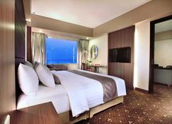 Aston Kupang Hotel and Convention Center - Kupang - Bedroom