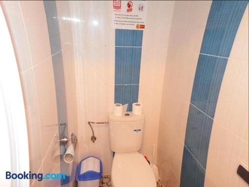 Red Castle Hostel - Backpacker - Marrakesh - Bathroom