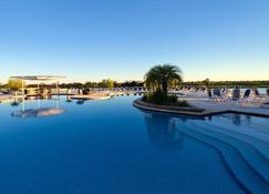 Resort Yacht Y Golf Club Paraguayo - อะซุนซิออง