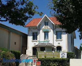 Hôtel Beausoleil - Montélimar - Edificio