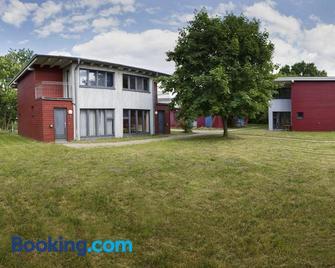 Basiskulturfabrik Öko-Hotel - Neustrelitz - Building