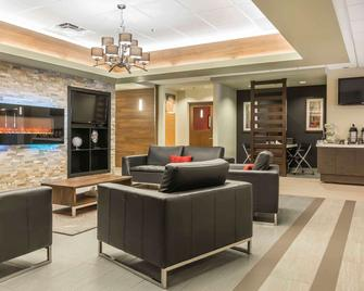Quality Hotel & Conference Centre - Campbellton - Lobby