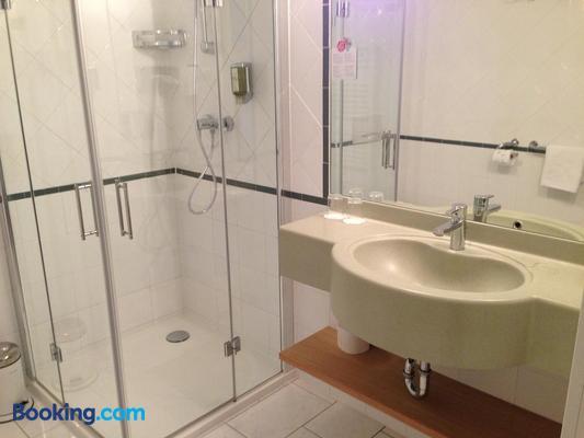 Hotel Nationalpark - Illmitz - Bathroom