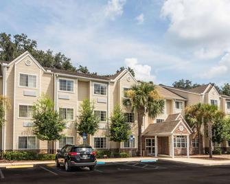 Microtel Inn & Suites by Wyndham Ocala - Ocala - Building