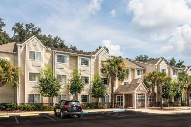 Microtel Inn & Suites by Wyndham Ocala - Ocala - Edificio