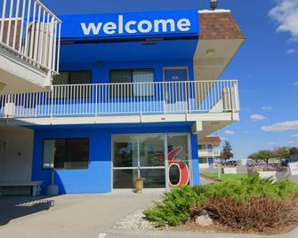 Motel 6 Rapid City, SD - Рапід-Сіті - Building