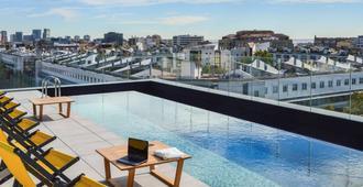 ibis Styles Barcelona City Bogatell - Barcelona - Piscina