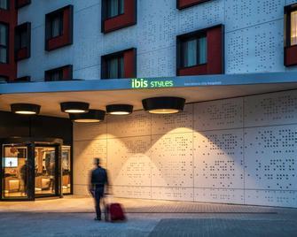ibis Styles Barcelona City Bogatell - Barcelona - Building