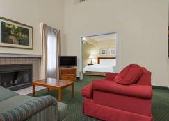 Hawthorn Suites by Wyndham Miamisburg/Dayton Mall South - Miamisburg - Living room