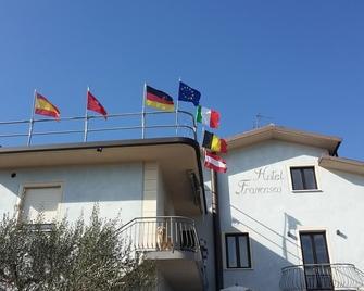 Hotel Francesco - Padenghe sul Garda - Building