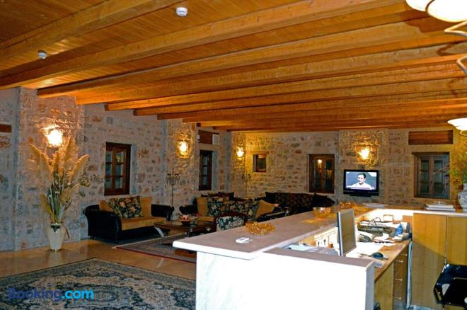 Smyros Resort - Poulithra - Front desk