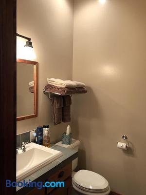 Comstock Premier Lodge - Sargent - Bathroom