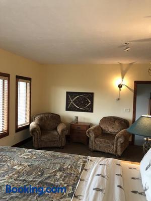 Comstock Premier Lodge - Sargent - Living room