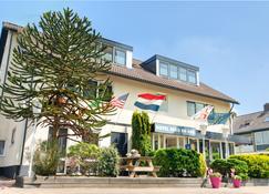 Hotel Berg en Bos - Apeldoorn - Gebouw