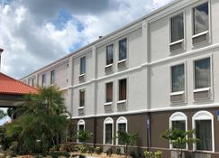 Best Western Plus Bradenton Hotel & Suites - Bradenton - Building